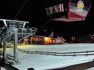 Junggesellenabschied in Willingen feiern. Die Idee für den besten Junggesellenabschied. Ski fahren und den JGA feiern. Auch für den Junggesellinnenabschied geeignet. JGA Geheimtipp ist der Junggesellenabschied in Willingen Upland. Viele Bars, Kneipen und Clubs in einer Strasse. Junge Leute und viel Spass für den Junggesellenabschied Willingen.